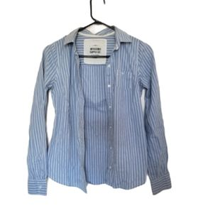 Mossimo Supply Co Blue striped Button down shirt